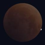 Eclipse de Lune : milieu de la totalité
